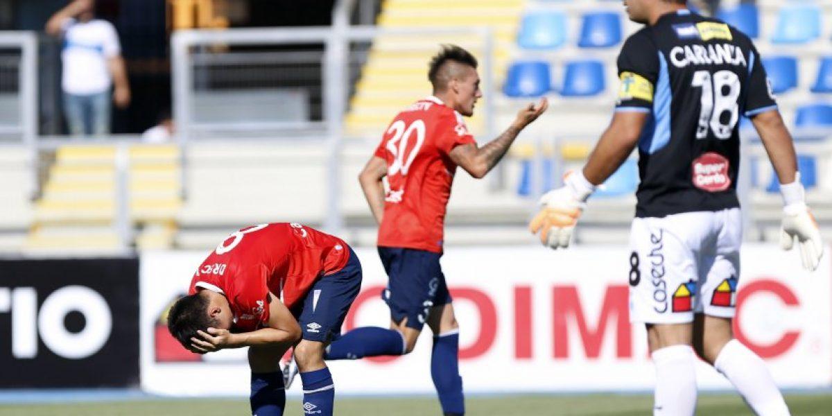 Malas noticias: Nicolás Castillo se desgarra y se perdería el clásico ante Colo Colo