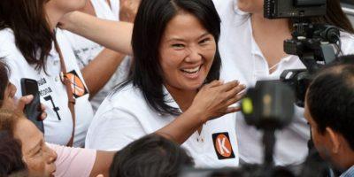 Perú: Keiko Fujimori lidera las encuestas pero pierde intención de voto
