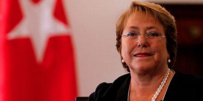 Cadem: Desaprobación a gestión de Presidenta Bachelet sube a 65%