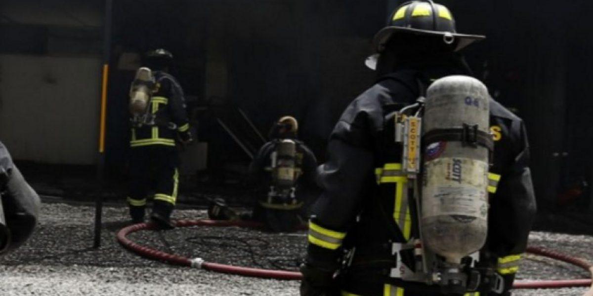 Un adulto mayor murió en incendio registrado en la comuna de Lo Espejo