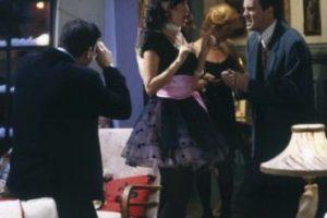 """Maggie Wheeler le dio vida a """"Janice"""", la ex novia de """"Chandler"""" que aparecía en los momentos más inoportunos. Foto:IMDB. Imagen Por:"""