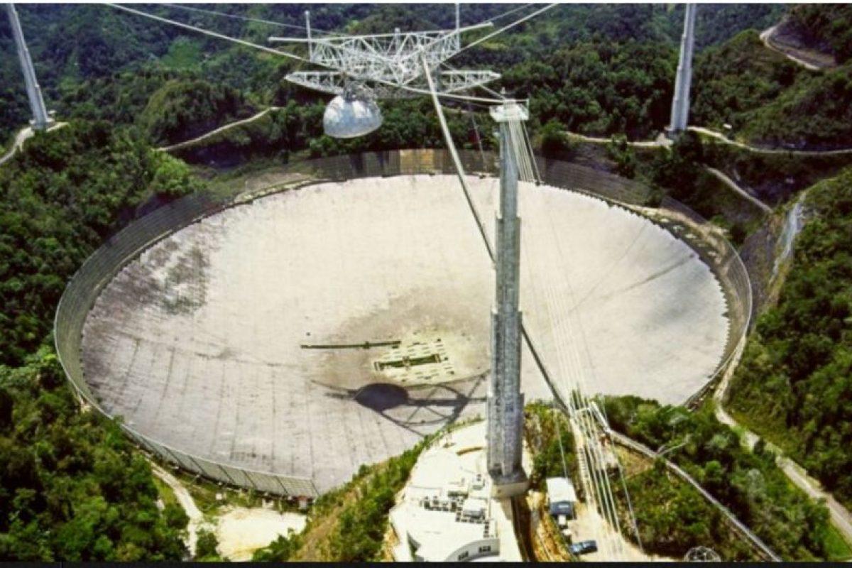 China esta construyendo el radiotelescopio más grande del mundo con el objetivo de recoger mensajes del espacio exterior que podrían estar relacionados con vida inteligente. Foto:Twitter @_FaisalArief. Imagen Por: