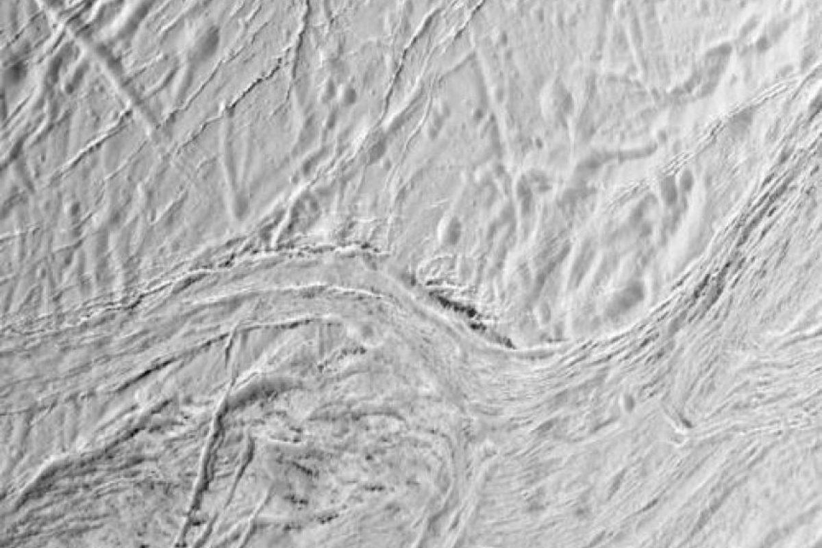 Datos recolectados por la sonda espacial Cassini en 2015 intrigan a la comunidad científica. Foto:Twitter.com/CassiniSaturn. Imagen Por: