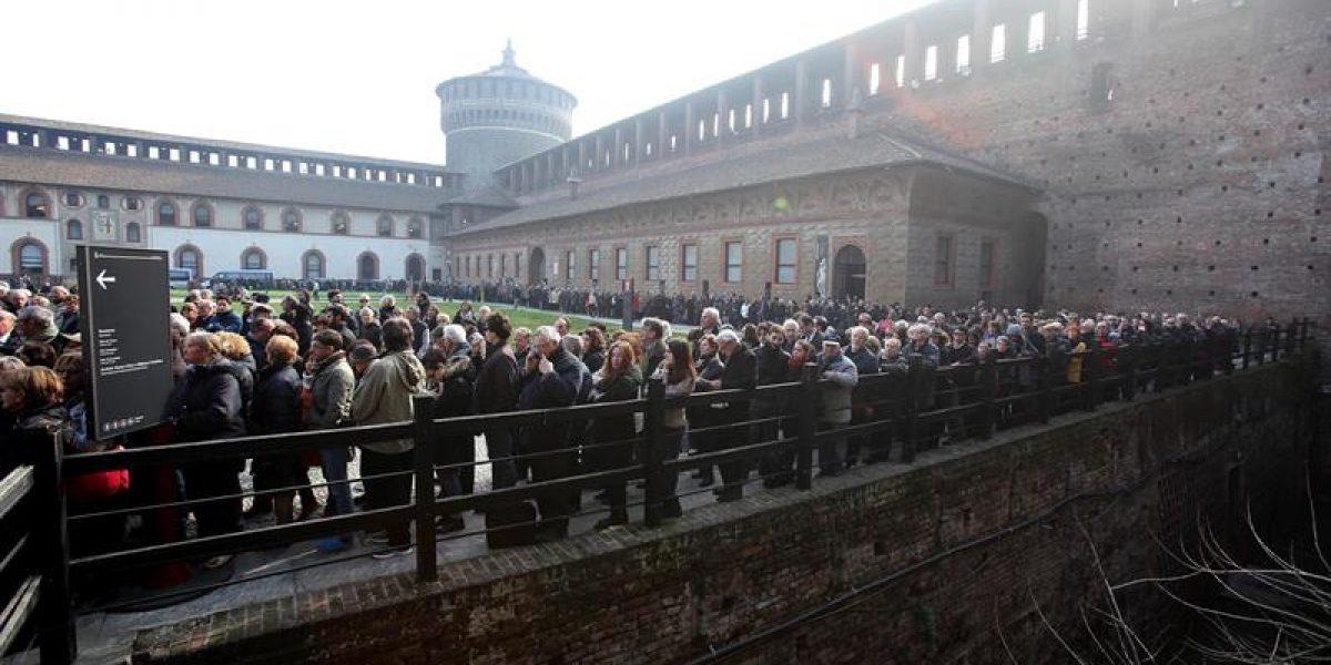 Italia y el mundo despiden a Umberto Eco en Milán