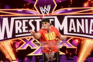 Hulk Hogan. El luchador profesional y actor cuestionado por el portal TMZ, aseguró que le gustaría ser compañero de Trump en su carrera por la presidencia del país. Foto:Getty Images. Imagen Por: