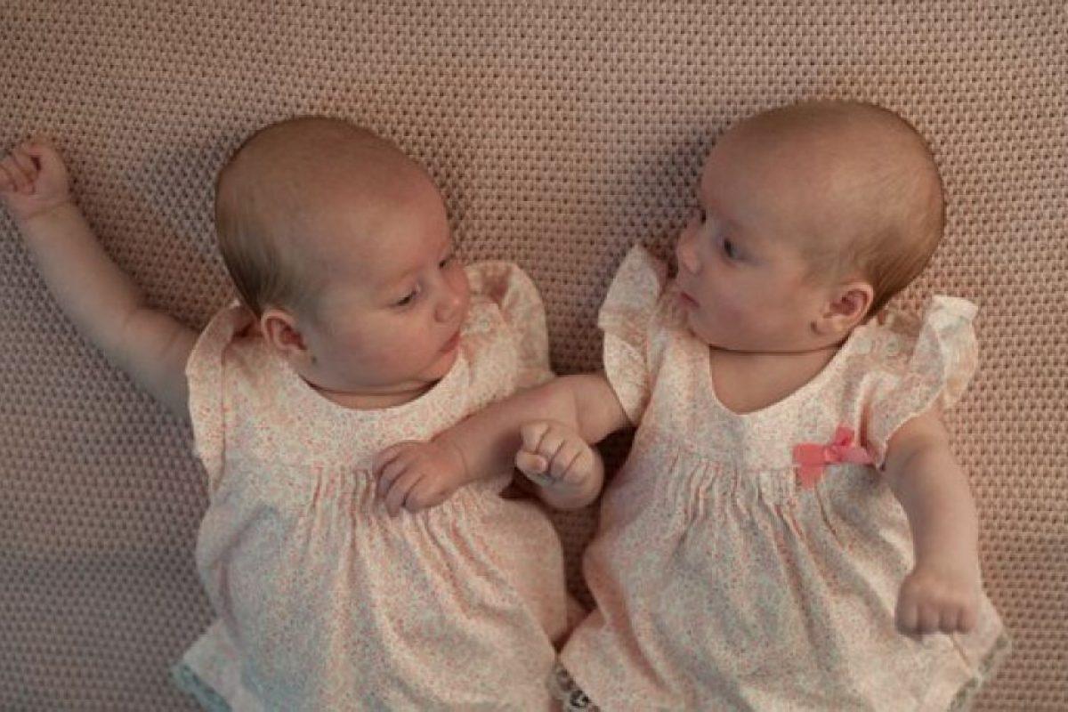 Mellizo: Nacido de un mismo parto y originado de distinto óvulo. Foto:Vía Pixabay. Imagen Por: