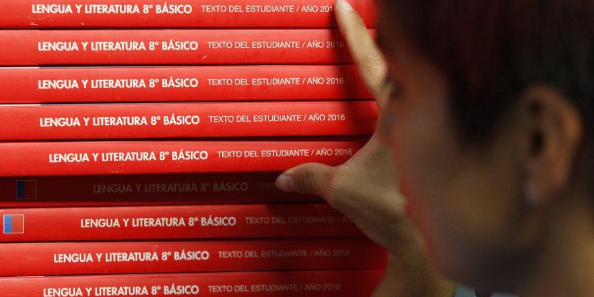 Delpiano: padres deben exigir a colegios los libros entregados por el Mineduc