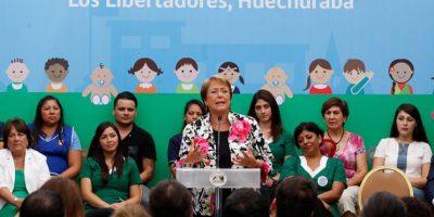 """Bachelet llamó a trabajar para que mejoras en educación """"no dependan de un gobierno"""""""