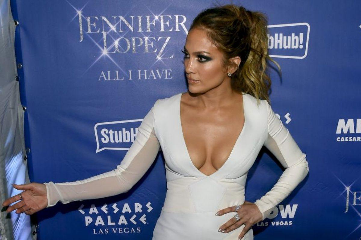 """Jennifer Lopez. Luego que la precandidata anunciara su carrera política """"Estoy muy emocionada por la noticia. Creo que ya es hora de que haya una presidenta"""", dijo la cantante al sitio E!. Imagen Por:"""