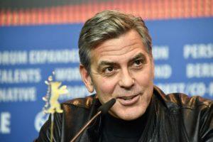 """George Clooney. Se comprometió a ayudarla en su campaña presidencial de la mejor manera en que él pueda. Las declaraciones las hizo durante una entrevista con Jorge Ramos, donde agregó: """"Sería muy feliz si ella fuera presidente"""". Foto:Getty Images. Imagen Por:"""