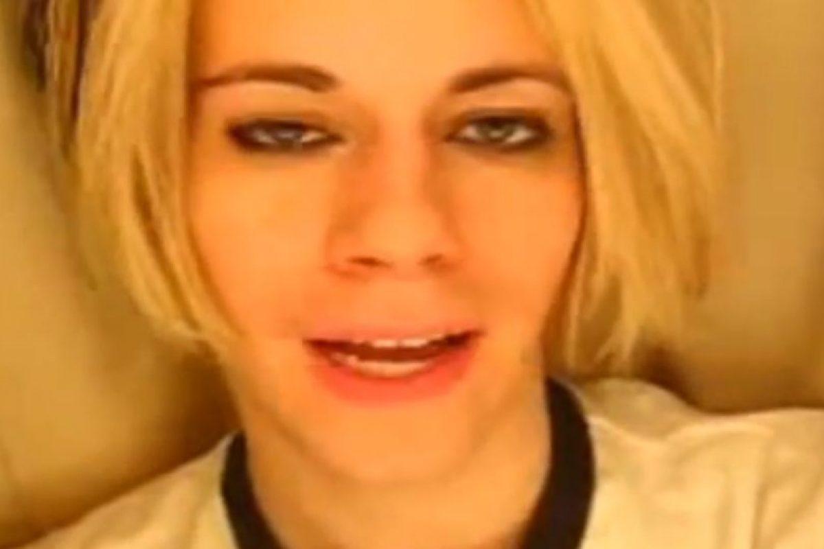 Eso fue en 2007, cuando su pésima presentación fue blanco de burlas. Foto:vía Youtube. Imagen Por: