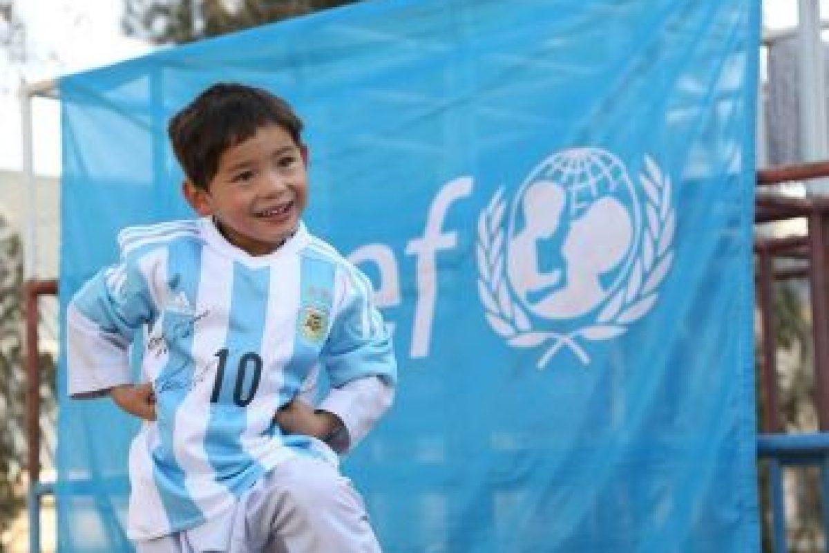 La cual recibió a través de UNICEF Afganistán Foto:facebook.com/afghanistanunicef/. Imagen Por: