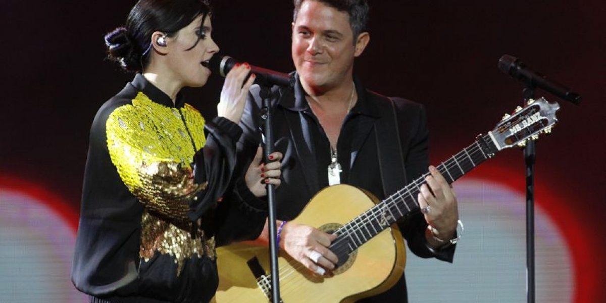 ¡Implacable! Tribuna tuitera comentó actuación de Javiera Mena con Alejandro Sanz
