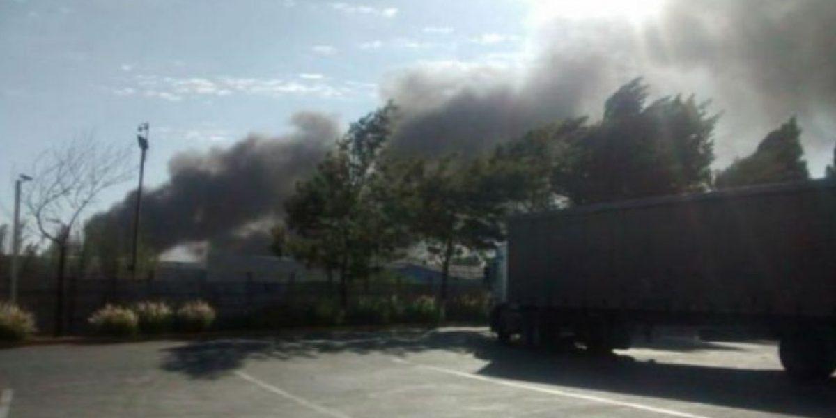 Declaran Alerta Amarilla por incendio en vertedero ilegal en Pudahuel