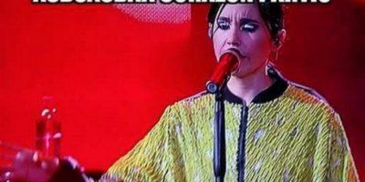 Los memes que generó la polémica presentación de Javiera Mena con Alejandro Sanz