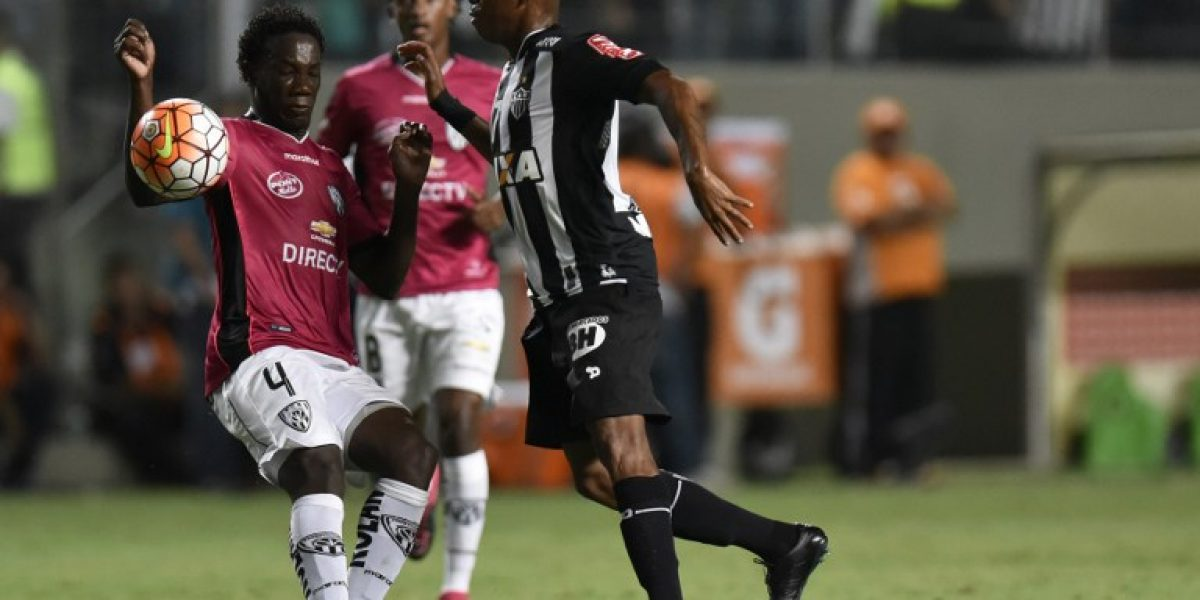 Atlético Mineiro vence con lo justo a Independiente y lidera el grupo de Colo Colo