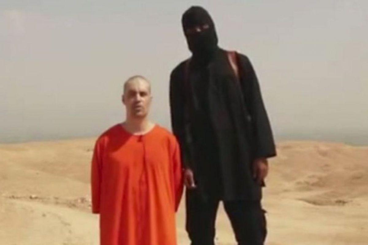 """Por otro lado, el grupo terrorista también gana dinero secuestrando personas. Un informe del gobierno británico, citado por """"Business Insider"""", señala que entre septiembre de 2013 y septiembre de 2014, ISIS ganó de 35 millones a 43 millones de dólares por rescates pagados. Foto:AFP. Imagen Por:"""