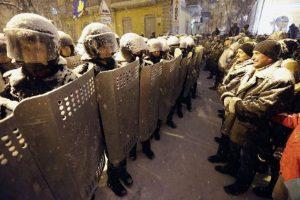 """Los """"berkut"""" fueron disueltos después del Euromaidán, pero Crimea formó una fuerza policial parecida, y les dio su nombre. Foto:Efe. Imagen Por:"""