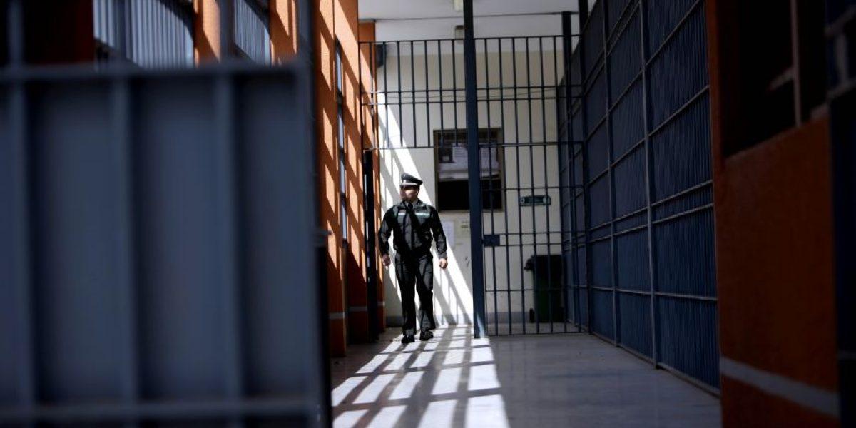 En prisión preventiva sujeto que intentó quemar a su cónyuge en Puerto Montt