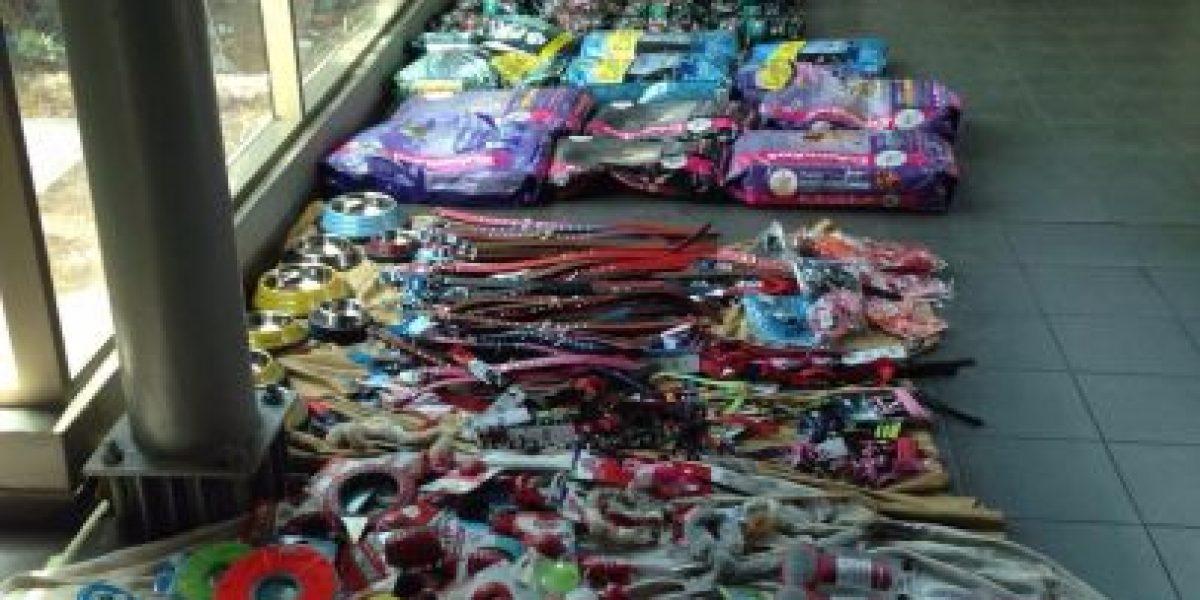 SIP de Carabineros detiene a sujetos que vendían productos de mascotas robados en ferias libres