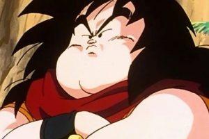 """Yajirobe es el """"asistente"""" del maestro Karim. Su mayor hazaña fue haberle cortado la cola a Vegeta cuando vino a invadir la Tierra y este estaba en la transformación Ozaru (como gorila gigante) Foto:Toei. Imagen Por:"""