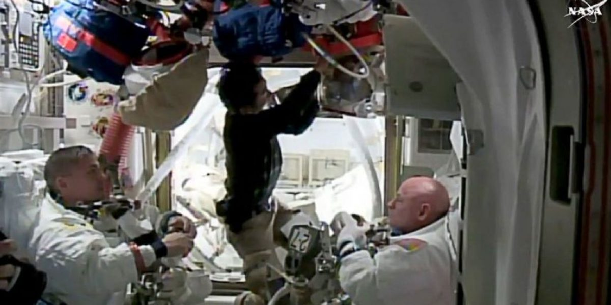 Tras un año en el espacio: Scott Kelly está ansioso por tener contacto humano