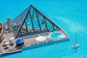 San Alfonso del Mar, Chile. Ostenta el récord Guinness de la piscina más grande del mundo. Tiene una extensión de más de un kilómetro de largo, ocho hectáreas y 250 millones de litros de agua. Foto:Wikicommons. Imagen Por: