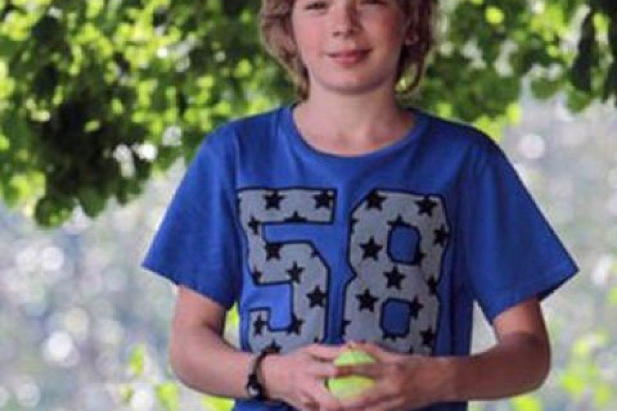 Sucedió en Rusia, donde Ruslan Schedrin, de 16 años, fue el visitante número 100 mil de un sitio web especializado en venta de armas para juegos de video. Foto:vía Lifesens. Imagen Por: