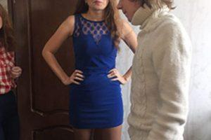 Un joven de 16 años de edad ganó un concurso para vivir con una actriz de cine para adultos en un hotel, algo que no tiene muy feliz a su mamá. Foto:vía Lifesens. Imagen Por: