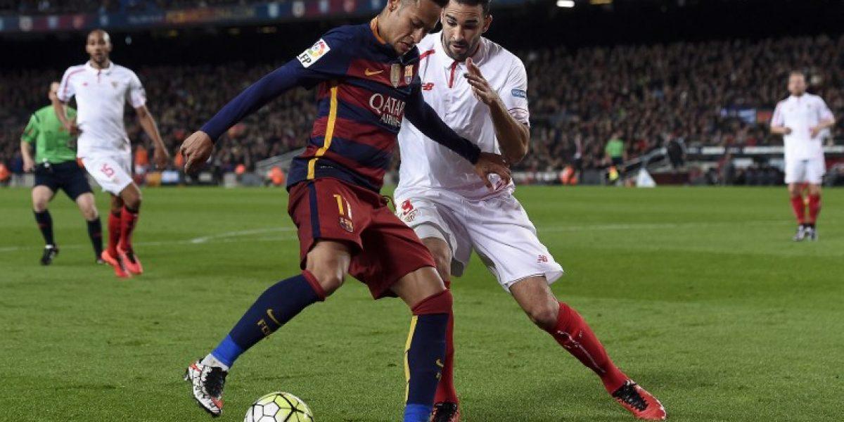 Barcelona de Bravo batalló para vencer al Sevilla y seguir firme en la Liga