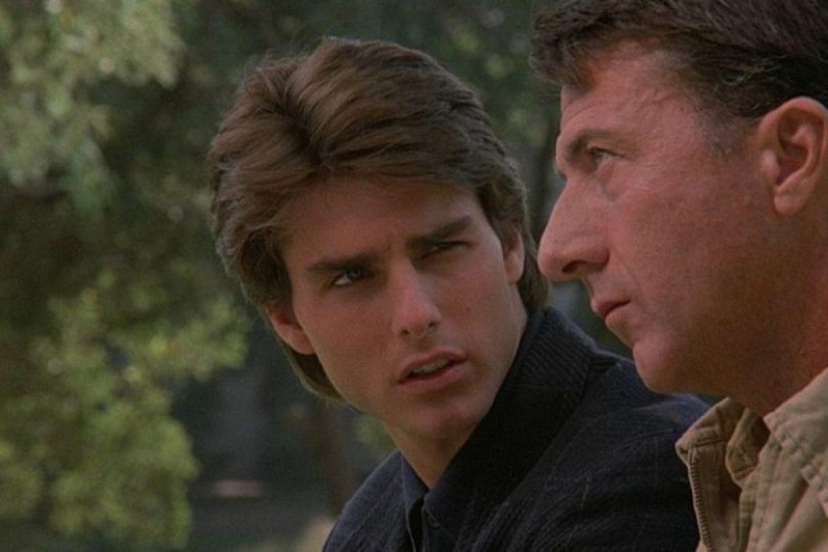 """""""Rain Man"""" o """"Cuando los hermanos se encuentran"""" es una película estadounidense de 1988 que cuenta la historía de dos hermanos: uno exitoso y el otro autista. Obtuvo cuatro premios de la Academia, incluyendo mejor película. Foto:The Guber-Peters Company. Imagen Por:"""