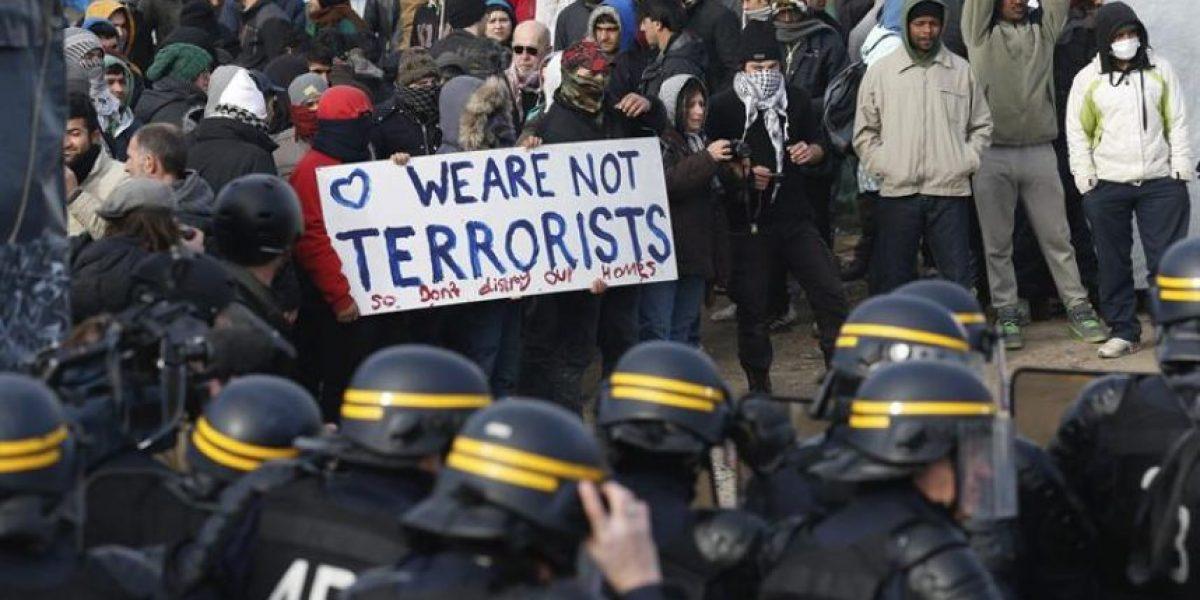 Francia: comienzan a desmantelar la zona sur del campo de inmigrantes de Calais
