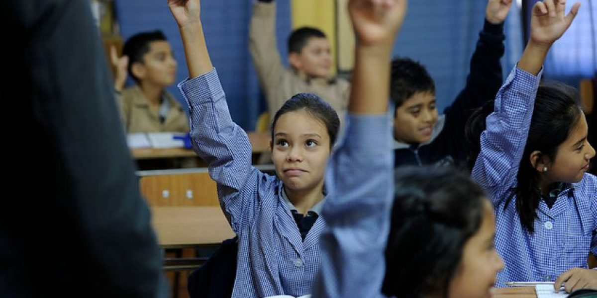 Movilh: 3 de las 15 regiones del país excluyeron el día contra la homofobia del calendario escolar