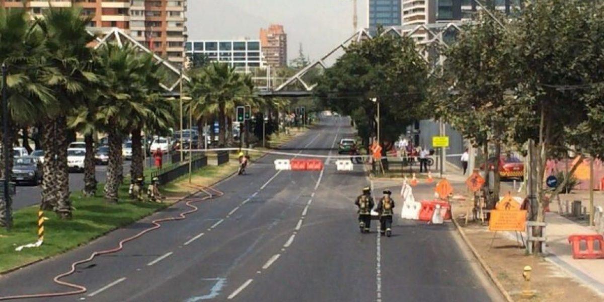 Bomberos controla escape de gas en avenida Manquehue