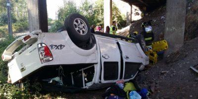 Talca: Colisión por alcance provoca caída de vehículo al vacío y deja siete heridos