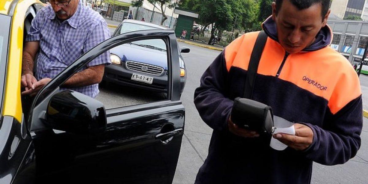 Con polémica termina reunión en Recoleta por eventual fin a concesión de parquímetros