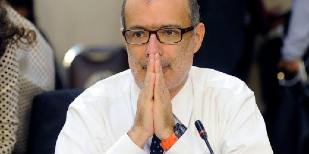 Ministro de Hacienda anuncia que recorte en gasto fiscal será de $380 mil millones