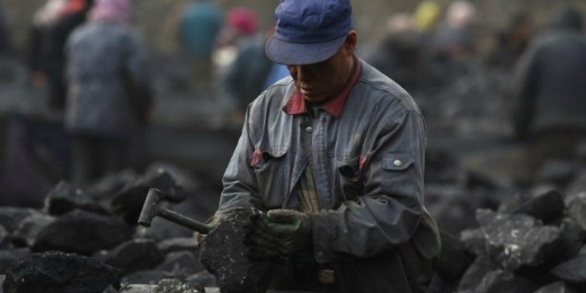 China despedirá a 1,8 millones de trabajadores del sector del carbón y acero