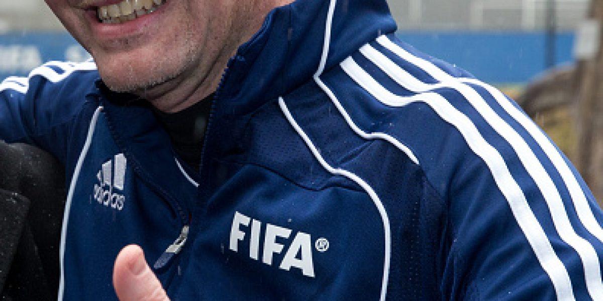 Nuevo presidente de la FIFA disputó un partido amistoso con leyendas del fútbol