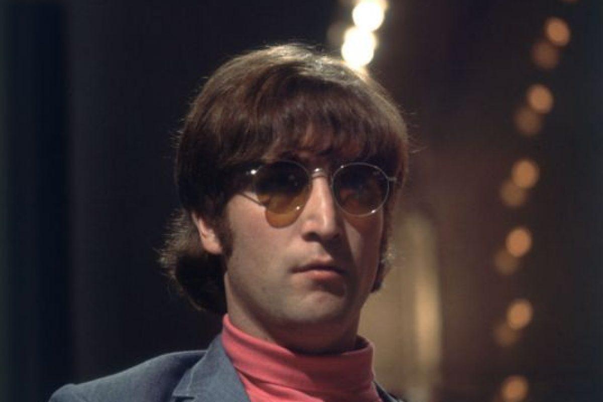 En 1980 el cantante y compositor John Lennon perdió la vida. Foto:Getty Images. Imagen Por: