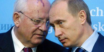 Gorbachov llama a Putin a construir una