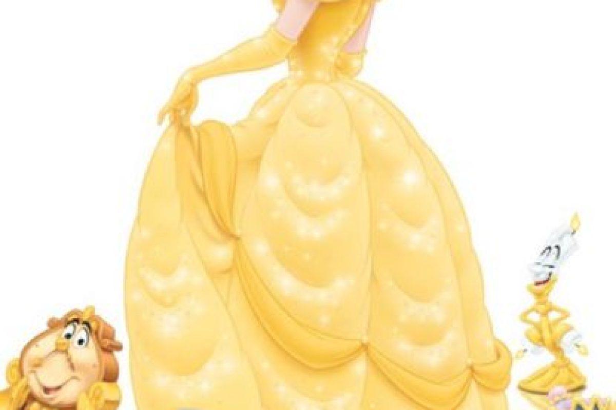 Por el volumen del vestido. Foto:vía Twitter. Imagen Por: