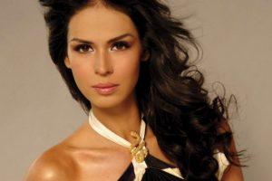 Laura Elena Zúñiga: La Miss Sinaloa 2008 fue detenida junto al presunto jefe el cártel de Juárez, Ángel Orlando García Urquiza. Foto:Urban Freak. Imagen Por: