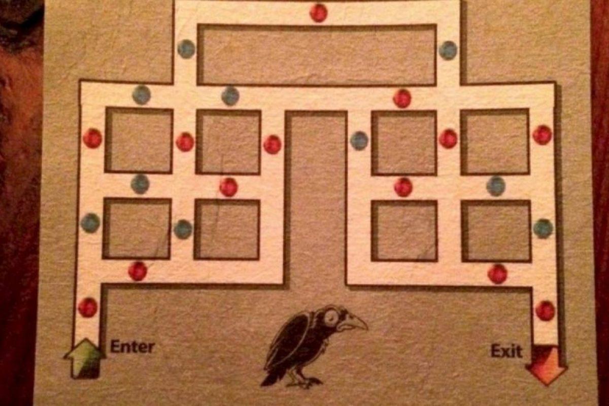 Para salir deben de ir por el camino usando un punto rojo seguido de un azul. Foto:Vía Twitter. Imagen Por: