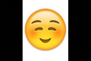 2. No es un rostro de pena o vergüenza, simplemente es una sonrisa Foto:vía emojipedia.org. Imagen Por: