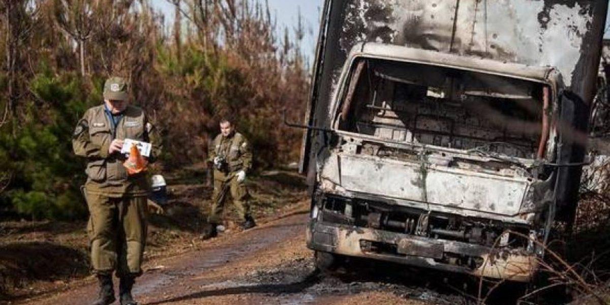 Atacan a trabajadores forestales y queman camión aljibe en La Araucanía