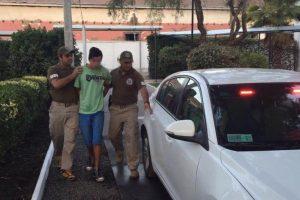 El joven capturado por la policía uniformada. Foto:Gentileza. Imagen Por: