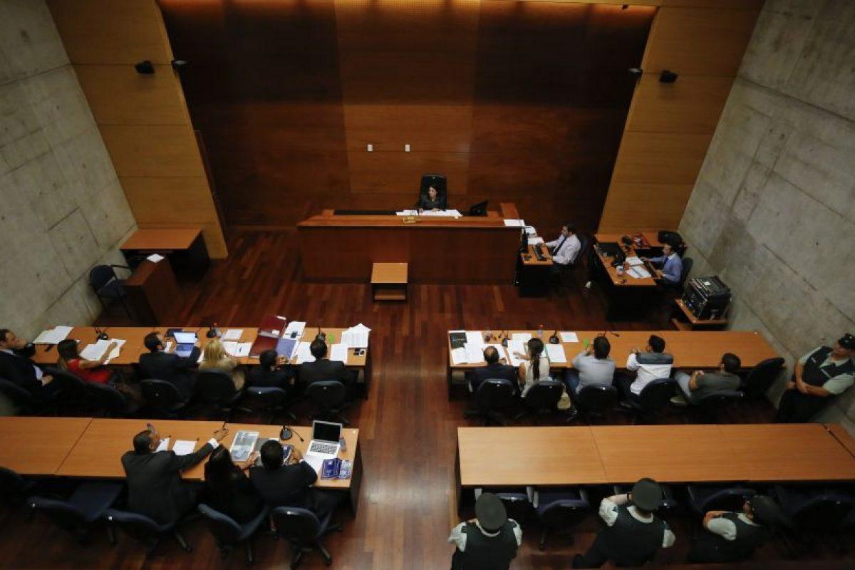 Vista de la sala donde fueron formalizados los dueños de la cuestionada empresa. Foto:Agencia Uno. Imagen Por: