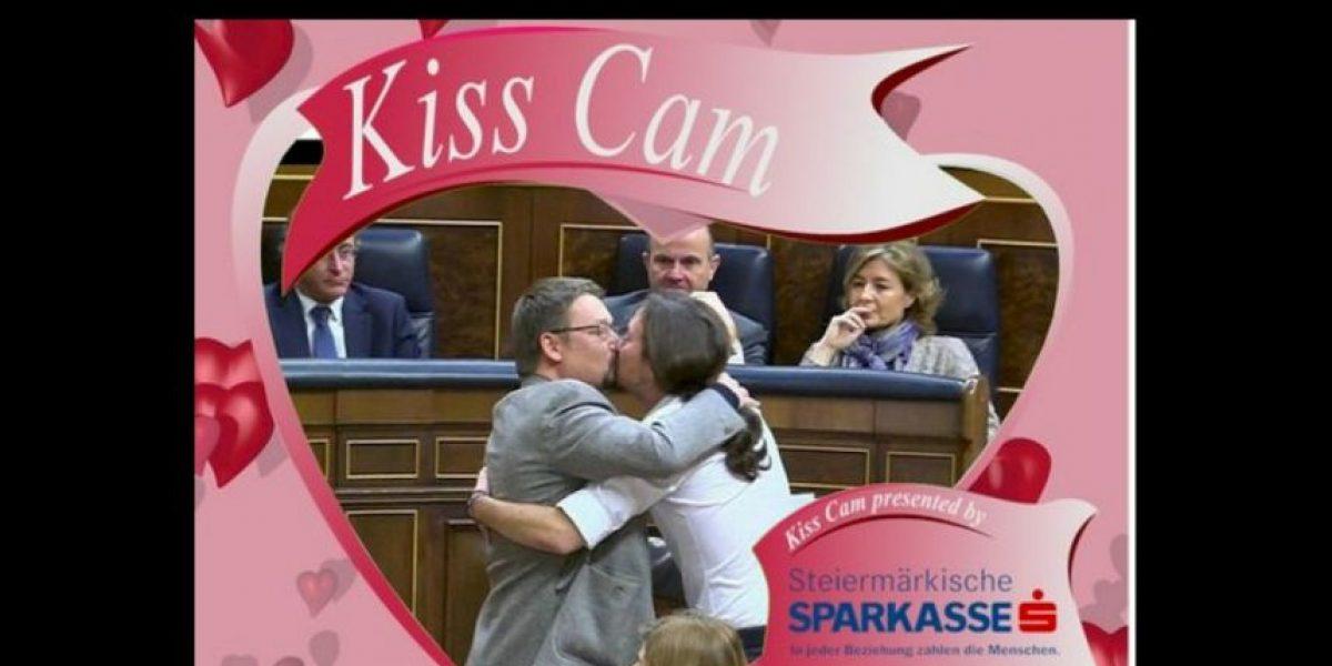 El beso entre políticos españoles que hizo