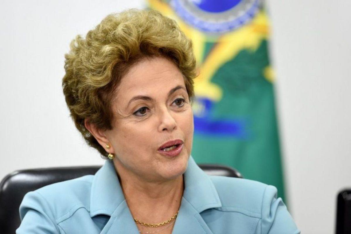 """A Dilma Rousseff se le acusa de haber """"maquillado"""" cuentas públicas de 2014 y 2014 cargando gastos de su campaña presidencial a la reelección Foto:AFP. Imagen Por:"""